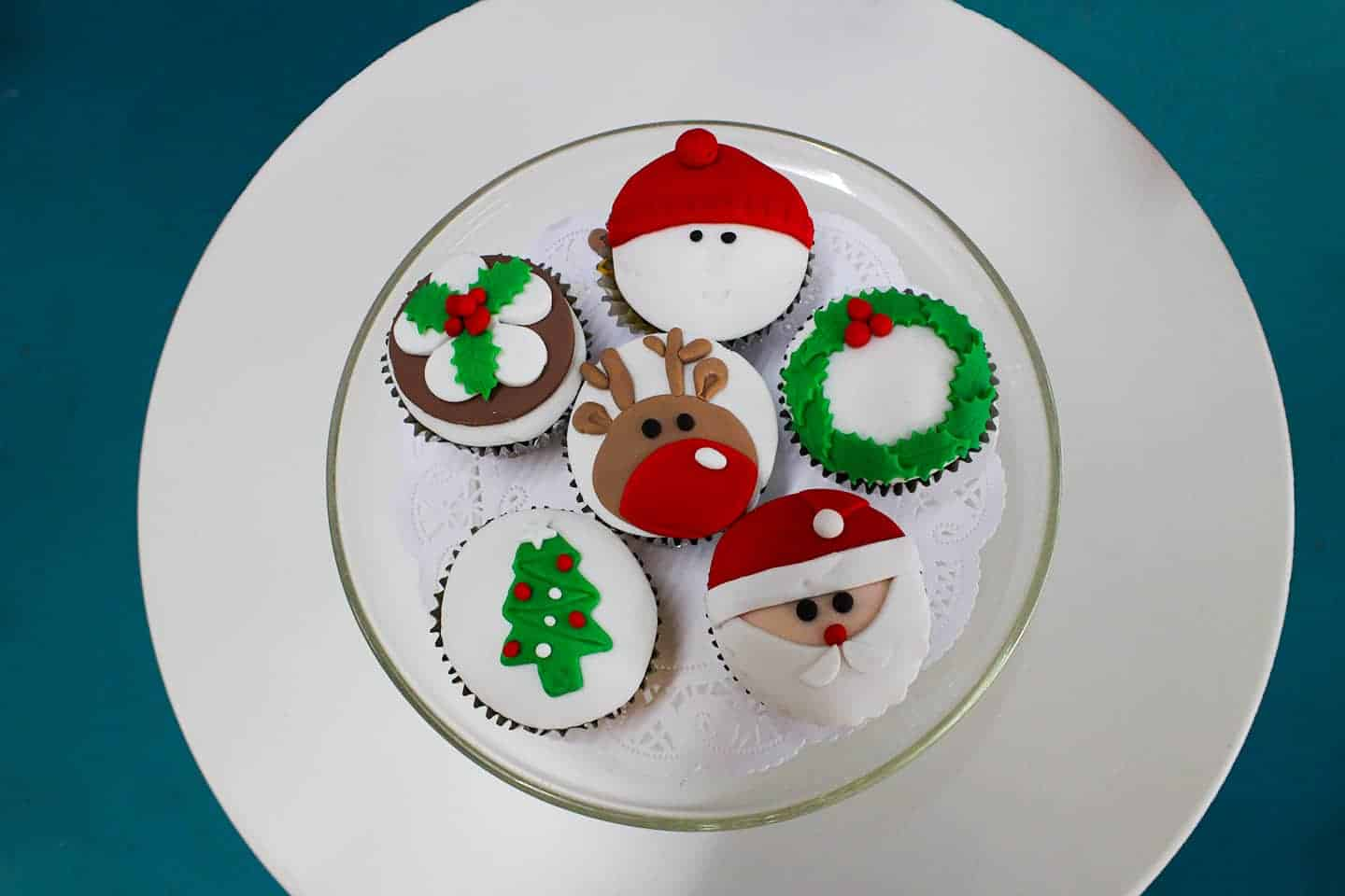 Cupcake - Christmas - classes - events - teach - learn - cake - handmade - bakery - celebration - fresh - custom - unique - Niagara Park - NSW - Sydney - CakeAndPlate.com.au - © 2019