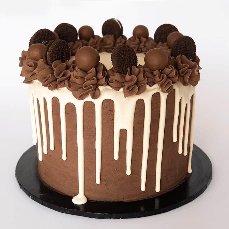 Cookies and Cream Drip - Quick-Cake - handmade - bakery - celebration - fresh - custom - unique - Niagara Park - NSW - Sydney - CakeAndPlate.com.au © 2020