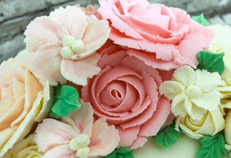 Buttercream wreath cake class